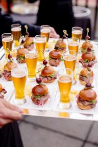 mini burgers and beers